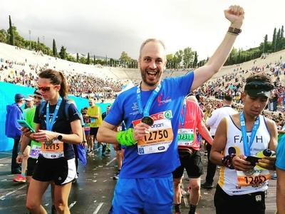 Ο Αιγιώτης Γιώργος Κακαβάνης τρέχει 12 μαραθώνιους, σε 12 διαφορετικές χώρες για καλό σκοπό