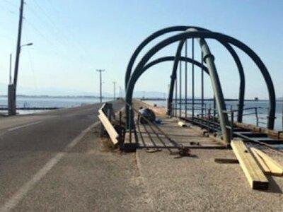 Η κατασκευή της ίδιας γέφυρας, στον ίδιο...