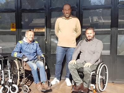Πάτρα: Παρέδωσαν και 4ο αναπηρικό αμαξίδ...