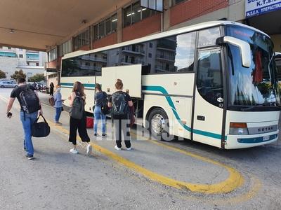 """""""Φούντωσε"""" η κίνηση στο ΚΤΕΛ Αχαΐας για Αθήνα και Θεσσαλονίκη - Τι γίνεται αν δεν φοράτε μάσκα;"""