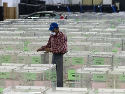 Η βιομηχανία των εκλογών στην τελική ευθεία