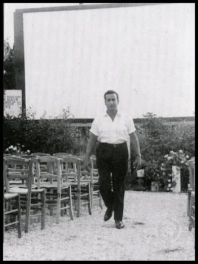 Σινέ Ρίον. Ο Νίκος Καζάκος, ένας από τους διαχειριστές τού θερινού κινηματογράφου, 1959