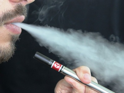 Καμπανάκι από τους ειδικούς για το ηλεκτρονικό τσιγάρο