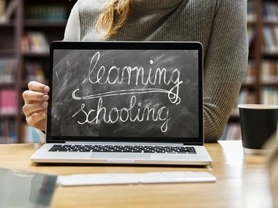 Στην εποχή του γρήγορου ίντερνετ μπαίνουν όλα τα σχολεία της χώρας