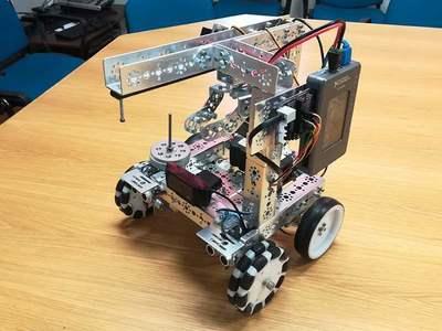 Το ρομπότ της Πάτρας που θα αναμετρηθεί με άλλα από όλη την υφήλιο