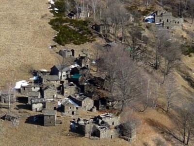 Το χωριό κοντά στη λίμνη Κόμο που τα σπίτια του πωλούνται... 1 ευρώ!