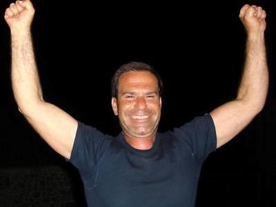 """Σοκ στην Πάτρα: Έφυγε αιφνίδια από τη ζωή ο γνωστός μετρ Νίκος Δημόπουλος, ο """"Νέρωνας"""""""