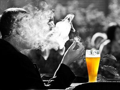 Στο στόχαστρο οι «Λέσχες Καπνιστών» - Έπεσαν τα πρώτα πρόστιμα