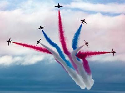 Πάτρα - Ακροβατικές αεροπορικές επιδείξε...