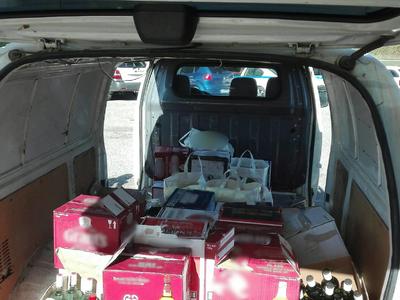 Συνελήφθησαν στο Αγρίνιο με 487 φιάλες για λαθρεμπόριο ποτών