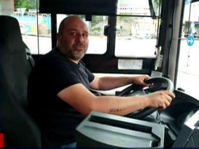 Ο Έλληνας οδηγός λεωφορείου στη Γερμανία που έγινε ήρωας σώζοντας από πνιγμό ένα 2χρονο κοριτσάκι!