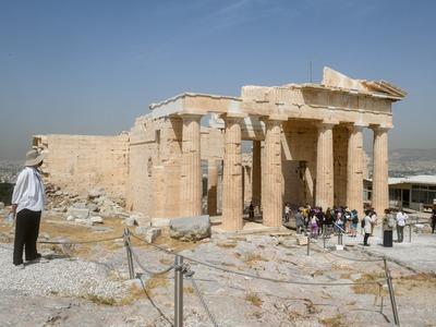 Έτσι «ταξίδεψε» σε όλο τον κόσμο το άνοιγμα της Ακρόπολης