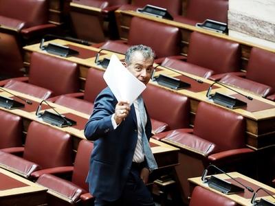 Στ. Θεοδωράκης: Αποχαιρετώ τη Βουλή ηττημένος, αλλά υπερήφανος