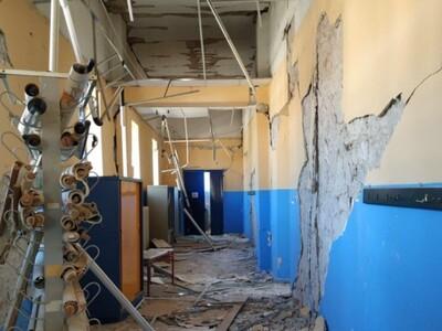 Δαμάσι: Ερείπιο το σχολείο από τον σεισμ...