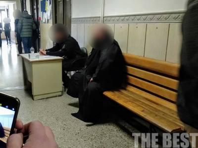 Πώς έκαιγε τους μπάστακες ο 40χρονος ιερέας - Αφέθηκε ελεύθερος - ΦΩΤΟ