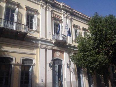 Συμπαρίσταται στην απεργία των νοσοκομειακών ο δήμος Πατρέων