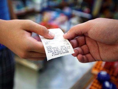 Στο 13% ο ΦΠΑ για τον καφέ στο ράφι – Περισσότερες δόσεις για τις επιχειρήσεις