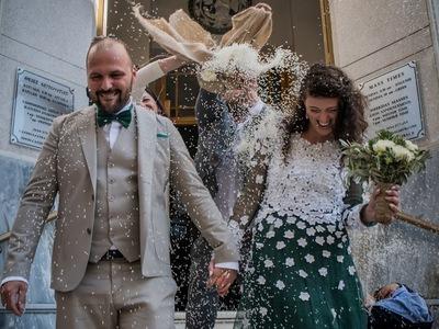 Από την Ιταλία στην Πάτρα, φορώντας νυφικό που έφτιαξε με ελιόπανο!