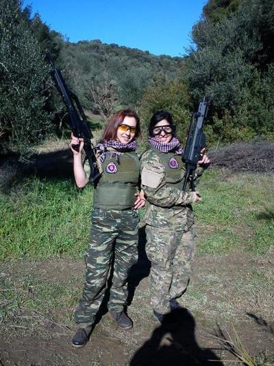 Πλαστικά γυναικεία όπλα κεράτωμα, γυναίκα