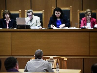Δίκη Χρυσής Αυγής: Κατηγορούμενος τα πήρε όλα πίσω