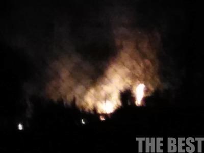 Φωτιά από κολόνα της ΔΕΗ στην Οβρυά