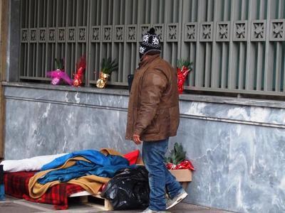 Ανοίγει και πάλι από σήμερα μέχρι και τη Δευτέρα το Παμπελοποννησιακό για τους άστεγους