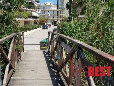 Η γραφική και καλά κρυμμένη γέφυρα που χρησιμοποιούν ακόμη για τις μετακινήσεις τους οι κάτοικοι στην Αγυιά Πατρών - ΦΩΤΟ