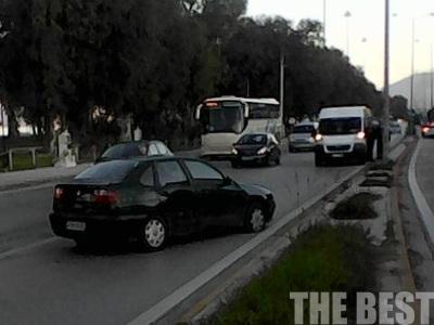 """Τροχαίο ατύχημα με το """"καλημέρα"""" στην Ακτή Δυμαίων - ΦΩΤΟ"""