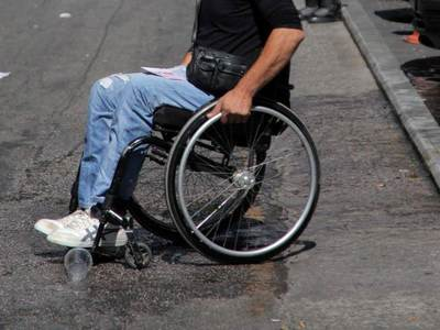Η Πάτρα είναι αφιλόξενη για τα Άτομα με Αναπηρίες και η αστυνομία παίρνει μέτρα γι αυτό