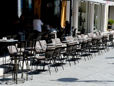 Άρση μέτρων: Μείωση του τζίρου 50% σε καφέ και εστιατόρια της Πάτρας