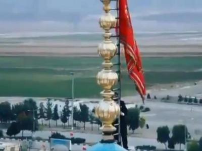 """""""Μυρωδιά""""...πολέμου στο Ιράν - Ανέβασαν στο τζαμί την κόκκινη σημαία των άγριων μαχών"""