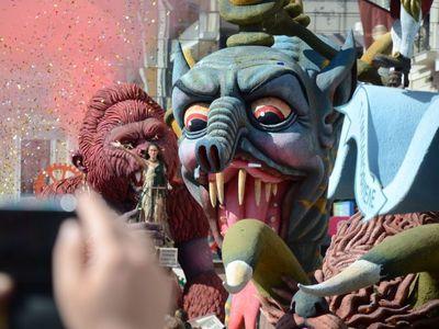 Μαραθώνιος μετάδοσης της μεγάλης παρέλασης του Πατρινού Καρναβαλιού - ΝΕΕΣ ΦΩΤΟ
