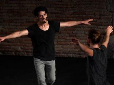Υψηλής αισθητικής & τεχνικής θέαμα η παράσταση του χορευτή Χάρη Γκέκα στο Αρχαίο Ωδείο -ΔΕΙΤΕ ΦΩΤΟ
