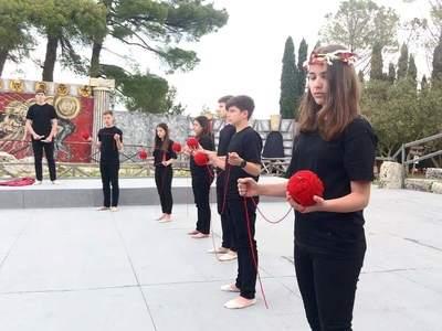 "9o Γυμνάσιο Πάτρας: Οι μαθητές συγκίνησαν με τους ""Πέρσες"" στις Συρακούσες - ΔΕΙΤΕ ΦΩΤΟ"