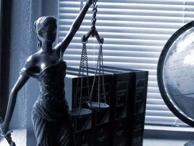 Μπλεξίματα για πατρινό δικηγόρο λόγω πλαστής δικαστικής απόφασης!
