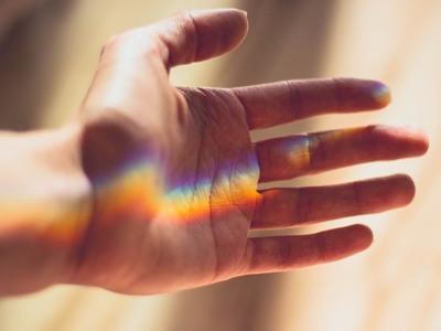 Τα 4 σημεία στα χέρια μας που κρύβουν ευεργετικά «μυστικά»