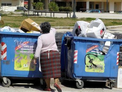 Οι Πατρινοί ξέχασαν την ανακύκλωση- Καθί...