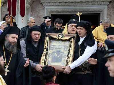 Αναχώρησε από την Πάτρα η εικόνα της Παναγίας Σουμελά - ΦΩΤΟ