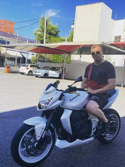 Θρήνος στην Πάτρα: Νεκρός σε τροχαίο με τη μηχανή του στην Αθήνα ο 26χρονος αστυνομικός Διονύσης Δημητρόπουλος