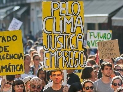 Οι ακτιβιστές κατά της κλιματικής αλλαγής πρέπει να πείσουν τους λαϊκιστές