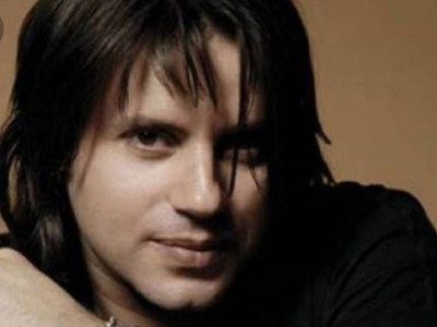 O γνωστός τραγουδιστής Δημήτρης Κοργιαλάς υποψήφιος Δημοτικός σύμβουλος στη Ναύπακτο