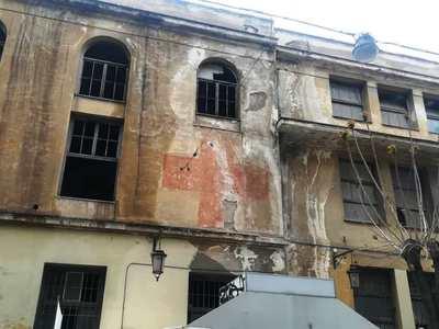 Πάτρα: Το πρώην Αρσάκειο γίνεται καινούργιο μέσα-έξω - Μένουν οι κόκκινοι σταυροί