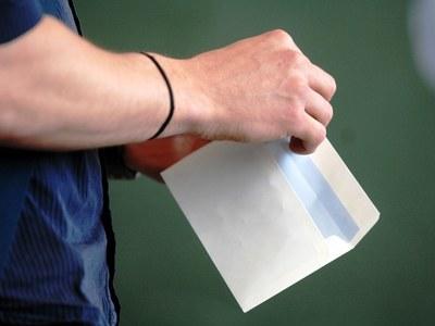 Η μεγάλη αποχή, τα «ευτράπελα» και οι ανατροπές της β' Κυριακής των εκλογών