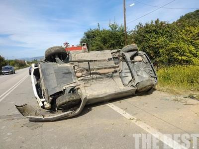 Οχημα έφερε τούμπες στην στροφή στα Τσουκαλέικα  - ΦΩΤΟ