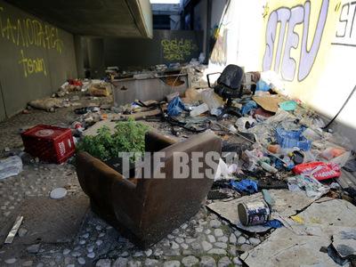 Πάτρα: Το κτίριο-μόλυνση από όπου δεν έχ...