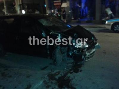 Πάτρα: ΙΧ αυτοκίνητο καρφώθηκε σε αυλή σ...