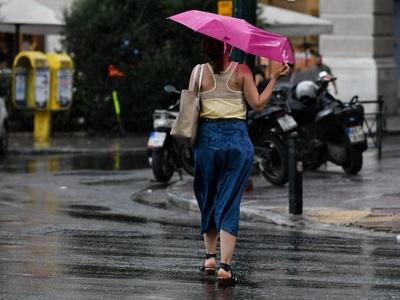 Βροχές και εισβολή ψυχρών αέριων μαζών -...