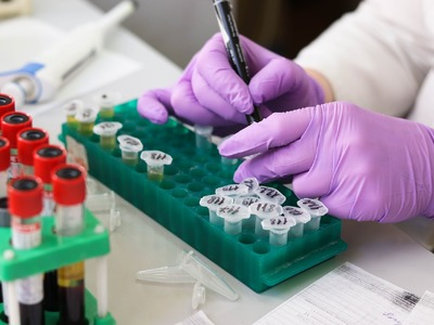 ΠΟΥ για τα εμβόλια: «Δεν θα εξαλείψουν τ...