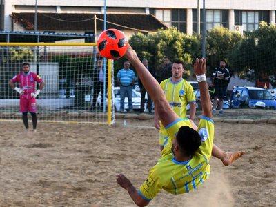 """Πλούσιο θέαμα και πλήθος κόσμου στο """"1st Spyros Avramis beach soccer international cup""""- ΦΩΤΟ"""
