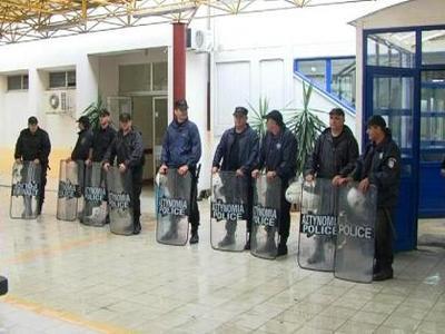 Αγρίνιο: Υπό την προστασία των ΜΑΤ η αιμ...